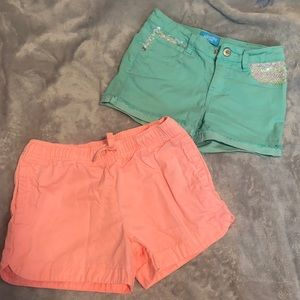 2 Pairs of Girls size 8 shorts Carter's
